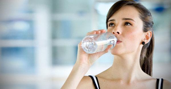 ข้อดีของการดื่มน้ำ สิ่งที่ขาดไม่ได้ในการดํารงชีวิต